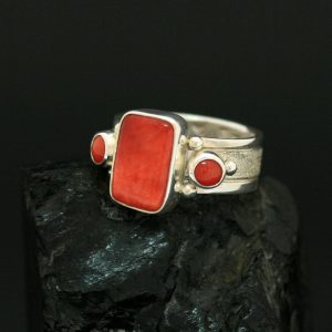 Navajo ring with spiny oyster shell and coral