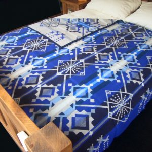 Star Wheels jacquard robe, Pendleton Blanket
