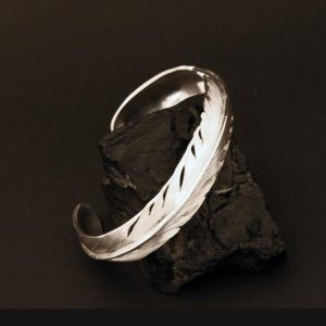 Silver Feather bracelet by Harvey and Janie Chavez