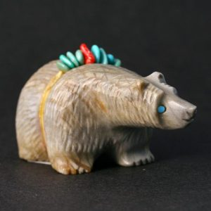 Zuni Bear Fetish Carving by Paulette Quam