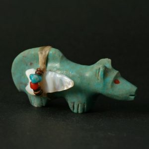 Turquoise Mountain Lion Fetish by Peter Gasper, Zuni
