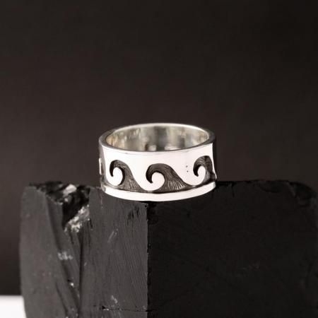 Hopi water ring by Anthony Honahnie, size 4