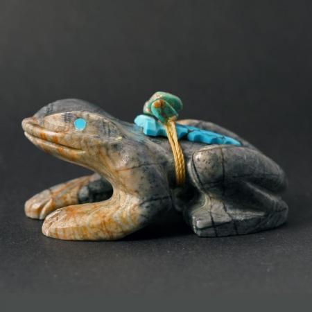 Zuni Frog Fetish by Douglas Martza