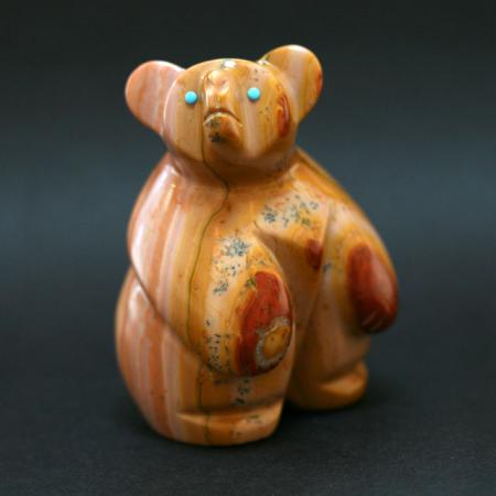 Zuni Fetish Standing bear by Vernon Lunasee face